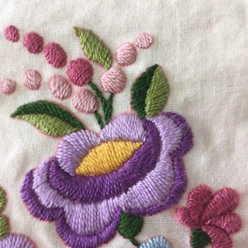 ハンガリー刺繍途中−5